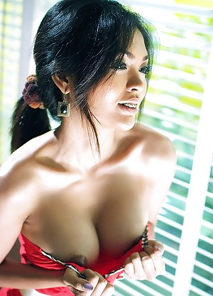 Asian Celebs Pictures