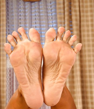Feet Pictures